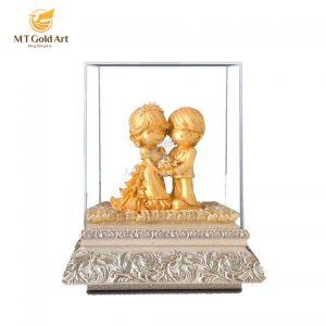 tượng cô dâu chú rể, món quà tặng đám cưới bạn thân ý nghĩa