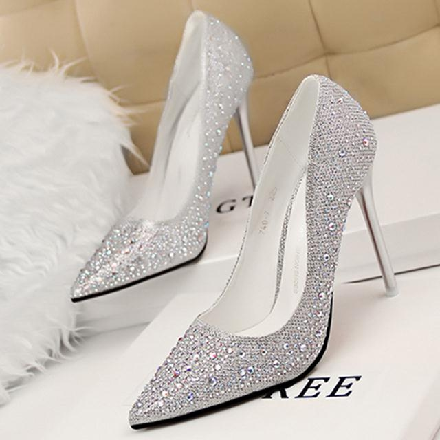 giày cao gốt